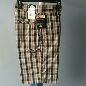 NWT Dickies shorts Sz 30 with 5/multi use pockets